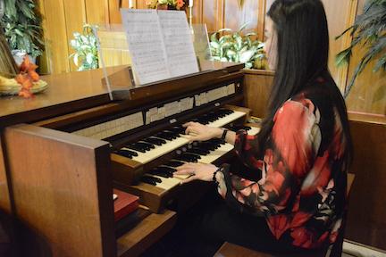 Organist Hong An Le